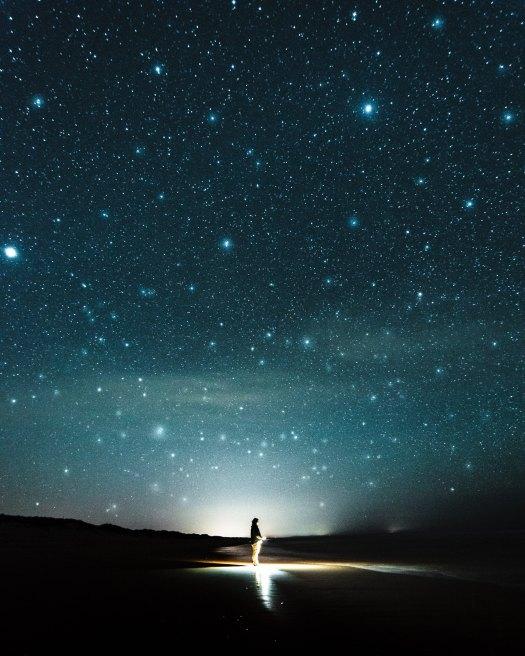 eidy-bambang-sunaryo-stars-unsplash